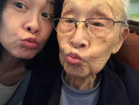 劉若英92歲父親告別式 曝父親最重視女兒「快樂」