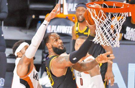 NBA》快艇與湖人決定不打 詹姆斯退出會議