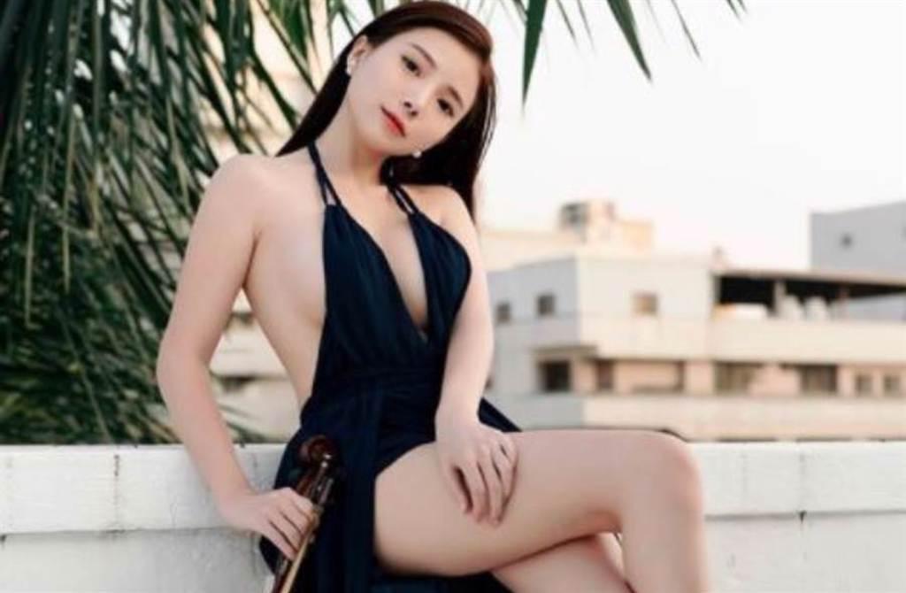 馬來西亞女星藍星蕾(Amber Na)以甜美長相和「亞洲百大DJ」頭銜走紅。(圖/IG@amberna_official)
