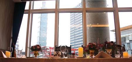 獨》信義區再增景觀餐廳  Lawrys勞瑞斯牛肋排餐廳插旗貴婦百貨