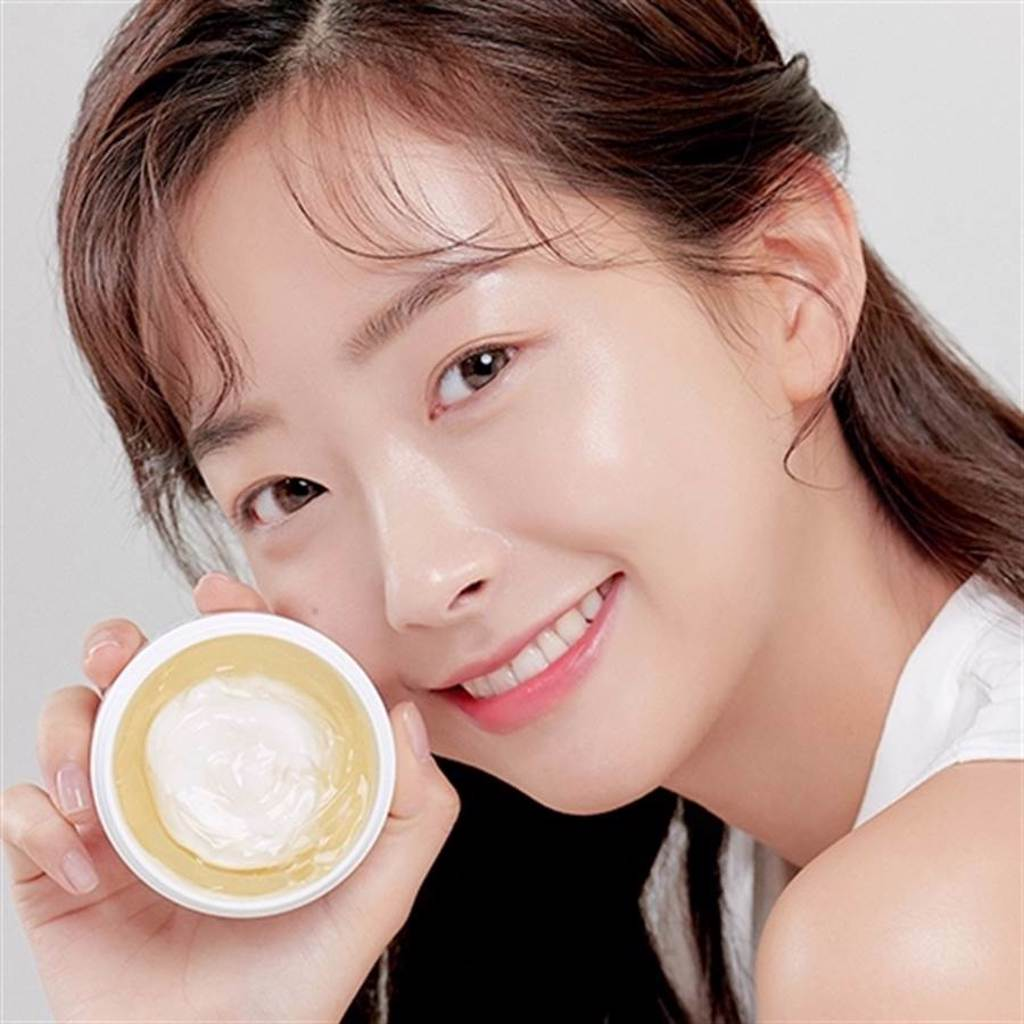 江華喬桐米透亮凝膠面霜是「凝膠、乳霜」2合1的混搭質地。(圖/品牌提供)