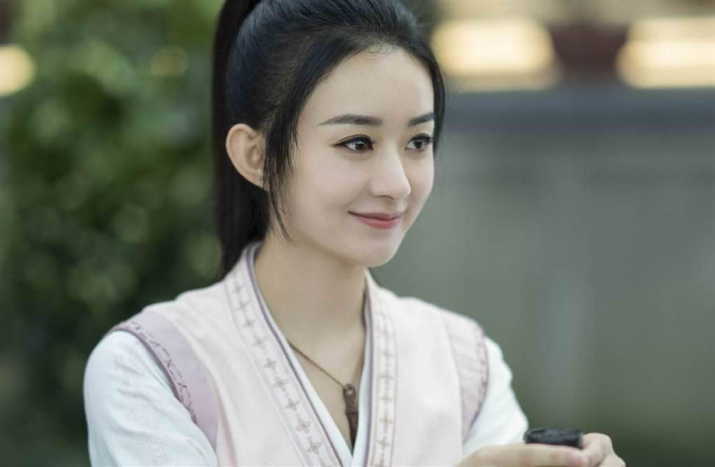 趙麗穎、王一博主演電視劇《有翡》自播出以來話題不斷。(取自有翡官方微博)