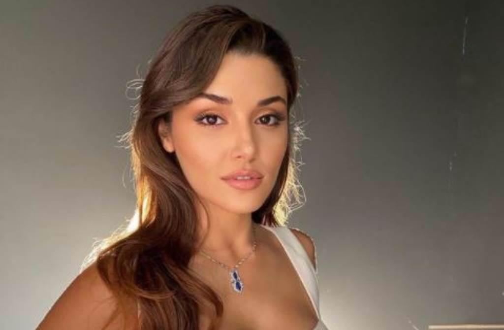 「Top Beauty World」近日公布2020年度全球百大美女排行榜,由27歲土耳其女星漢德埃塞(Hande Erçel)奪下今年的冠軍。(圖/IG@handemiyy)