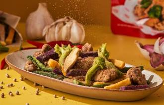 色香味超刷嘴 師園蒜味鹽酥雞100%神複製成餅乾