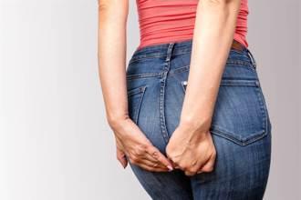 年輕情侶檢查痔瘡 醫內診一摸驚:它還在動