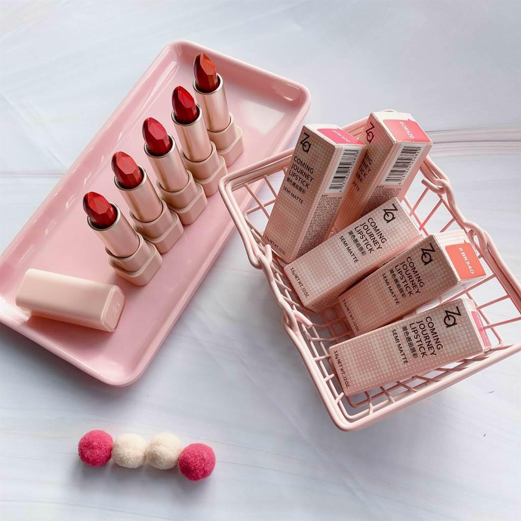 Za潮色邂逅唇彩全新包裝是可愛的奶昔粉管身。(邱映慈攝)
