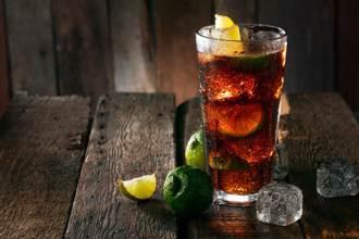 可樂這樣喝絕配 老饕曝6款完美組合出乎意料