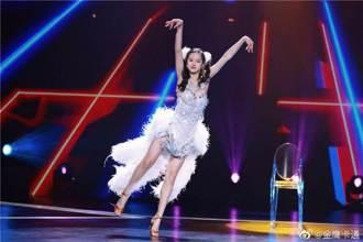 鍾麗緹12歲愛女長腿秀舞技 辣踩高跟當貓女俏麗沒輸女神媽