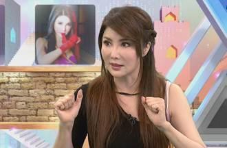楊麗菁脫了辣曬濕身比基尼 52歲超兇身材曝光網看傻