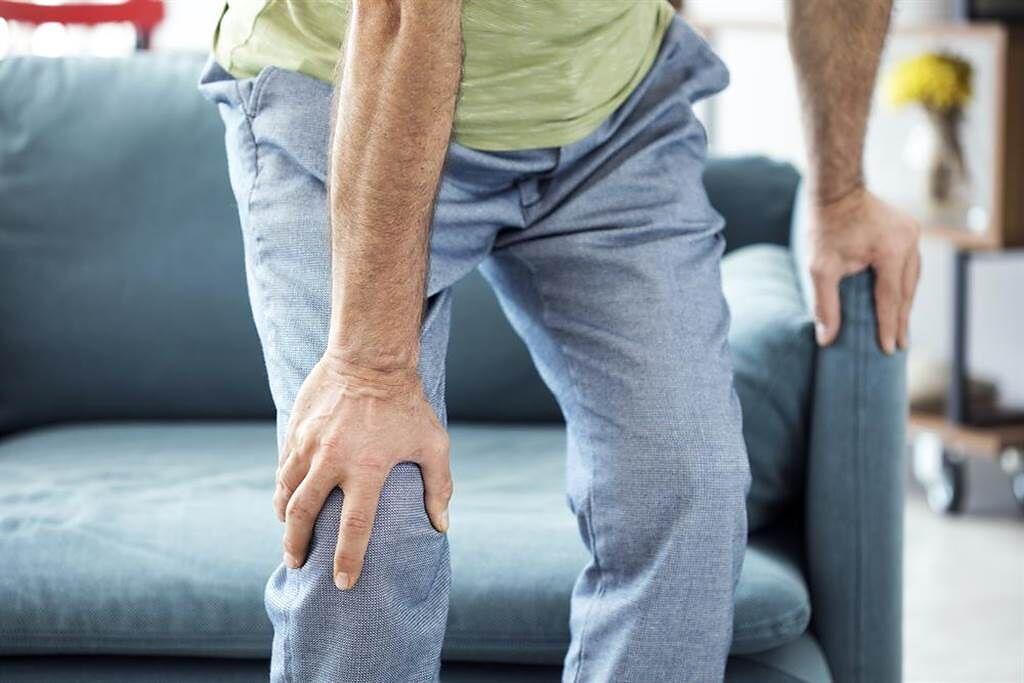 你的腿力剩幾趴?骨科游敬倫醫師教大家簡單3個小動作,看看肌力強度夠不夠。(示意圖/Shutterstock)