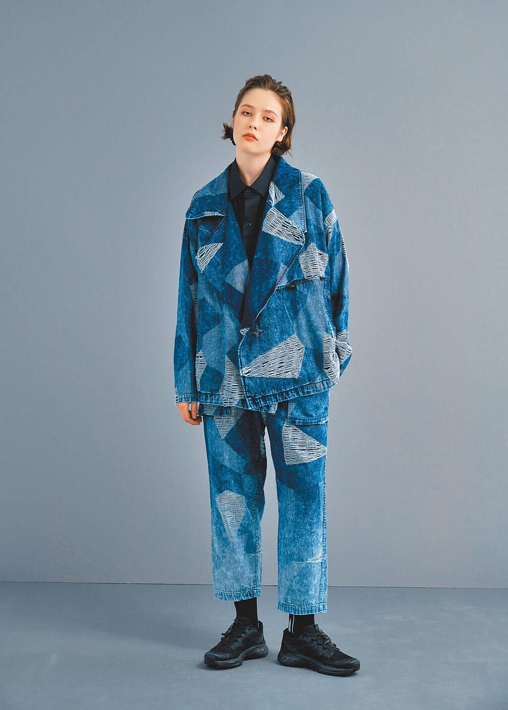 DYCTEAM 21春夏系列,漸染水洗加工的經典冰磚迷彩外套,每件外套均有限量編號織標。(DYCTEAM提供)