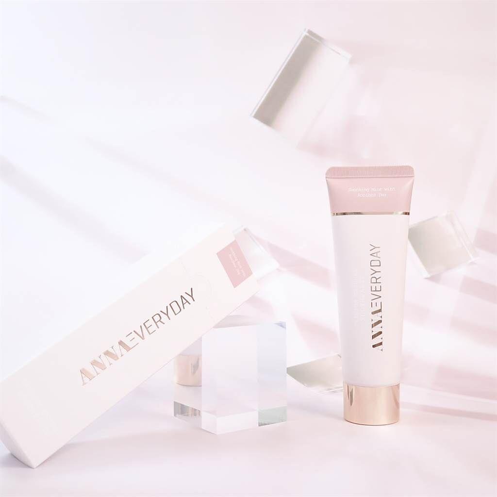 鑽白光感溫和植萃護齒牙膏。(圖/品牌提供)