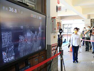 視察會考考場 防疫模擬演練  盧秀燕:務必安全無虞