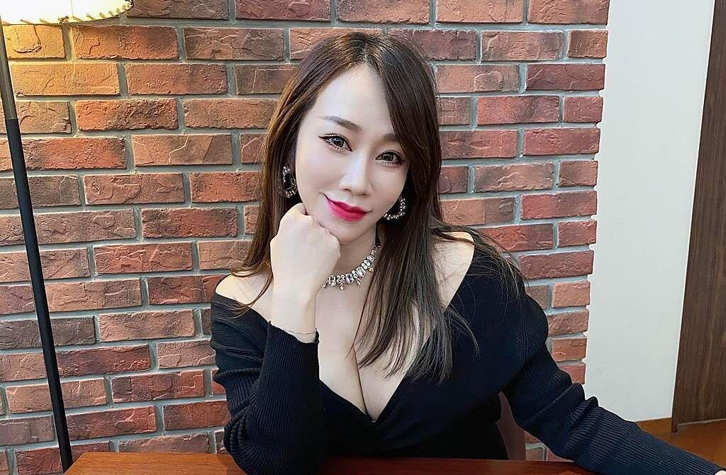 空服員出身的林佩瑤,過去因參加《超級星光大道2》爆紅,而讓她擁有「最美空姐」的美名。(圖/取材自林佩瑤 Pei Yao Lin臉書)