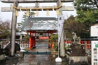 日本藝人都拜這一間!眾星雲集的車折神社