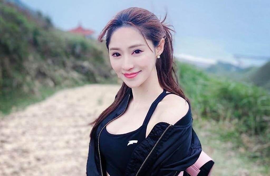 傅靖瑜擁有亮麗外型和火辣身材。(圖/翻攝自傅靖瑜臉書)