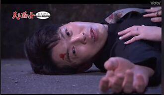 黃少祺為救韓瑜被車撞 醒來變洋蔥苦喊「不要躺著演」