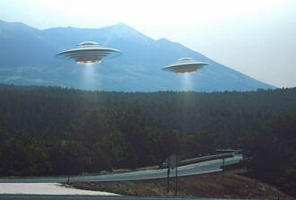 韓國出現UFO艦隊 射出刺眼橘光 分裂出6艘瞬間消失