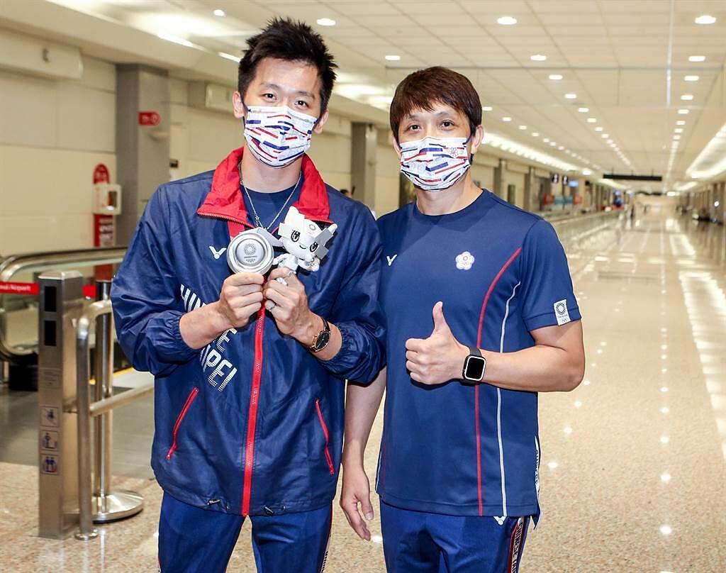 李智凱(左)、林育信。(陳麒全攝)