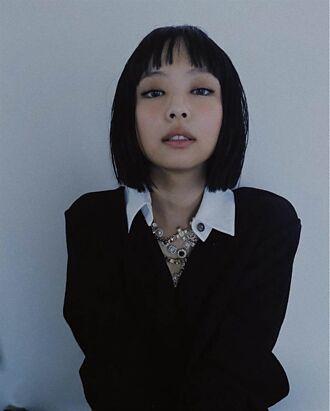 BLACKPINK Jennie黑短髮上封面 網:完全不行
