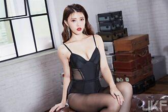 辣模苡琍「嫩乳解禁」挑戰情慾尺度 色老闆心動想包養
