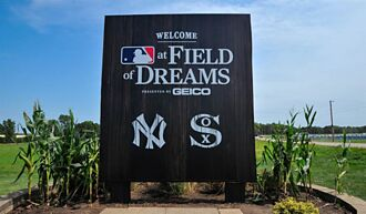 MLB》電影情節成真 洋基 白襪炸8轟致敬「玉米田」球場