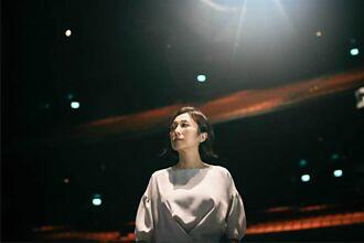 「音樂教父」羅大佑獲金曲特別貢獻獎 黃韻玲引領跨世代音樂人致敬