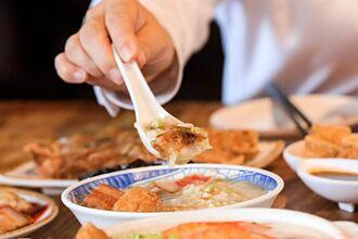 「台客燒肉粥」兩度獲必比登 盧秀燕力薦庶民美食