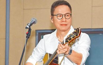 金曲32/羅大佑獲金曲特別貢獻獎 全場嘉賓起立致敬音樂教父