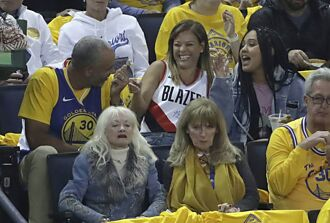 NBA》美媒爆柯瑞父母鬧離婚 33年感情畫下句點