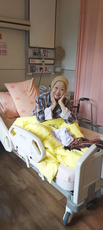 75歲張琪打疫苗高燒險丟命 冒紅斑如刀割住院14天
