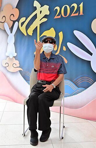 李炳輝曝已接種2劑疫苗 每周赴淡水市場表演