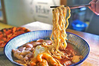 吃一口熱騰騰回憶 難以忘懷的經典鍋燒麵