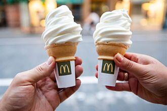 麥當勞冰淇淋「隱藏吃法」國外瘋傳 店員崩潰:台灣別紅