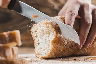 為何吃西餐時會先上麵包 內行人曝超暖涵義