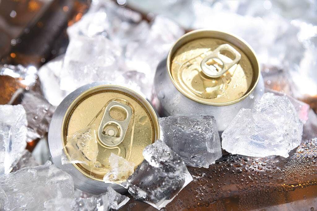 新購入的啤酒在易開罐拉環未開、瓶身未遭到破壞的情況下,竟然整罐空空如也,讓原PO相當錯愕。(示意圖/達志影像)