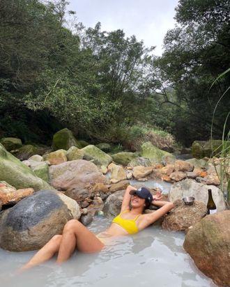 蟬鳴搭配沁涼溪水超chill!全台12個你不能沒去過的野溪溫泉